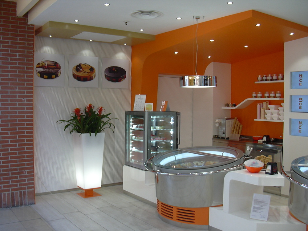 Gelateria centro commerciale  - 1